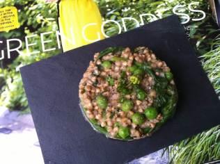 Risotto de sarrasin grillé, petits pois et épinards http://wp.me/p389oa-pU