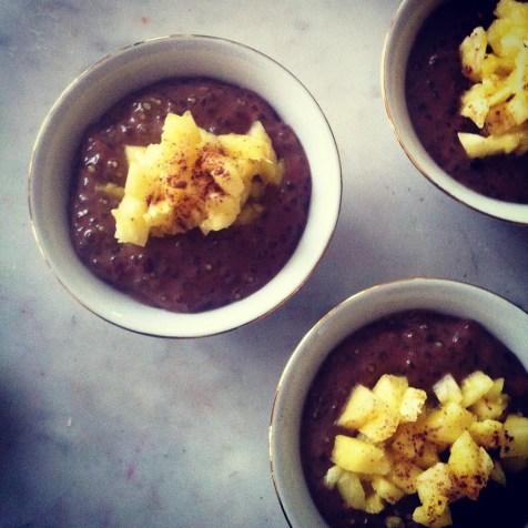 Perles de chocolat, lait noisette, brunoise d'ananas http://wp.me/p389oa-1hz