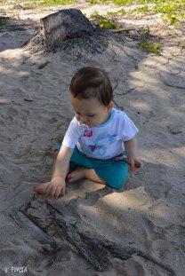 Moi je m'éclate à faire des pâtés de sable !