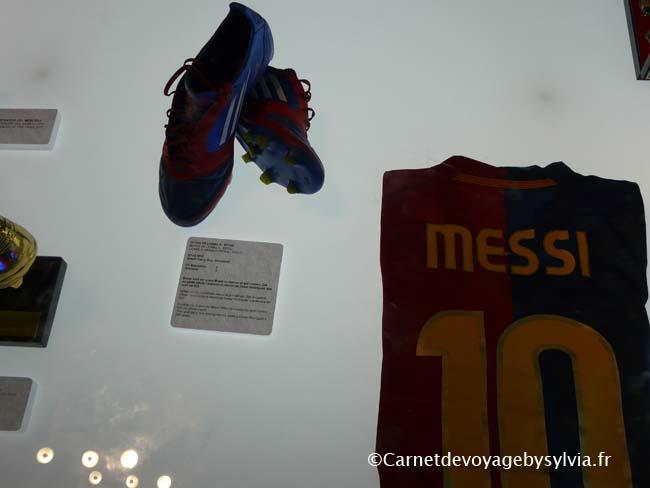 Crampons et T shirt de Messi