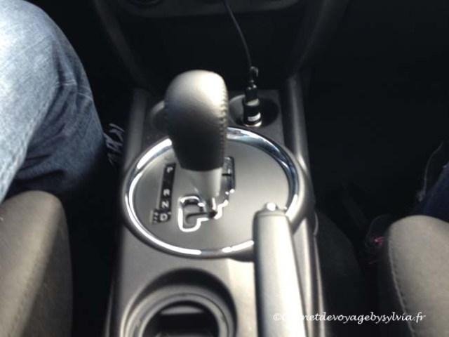 voiture automatique -différentes commandes interne