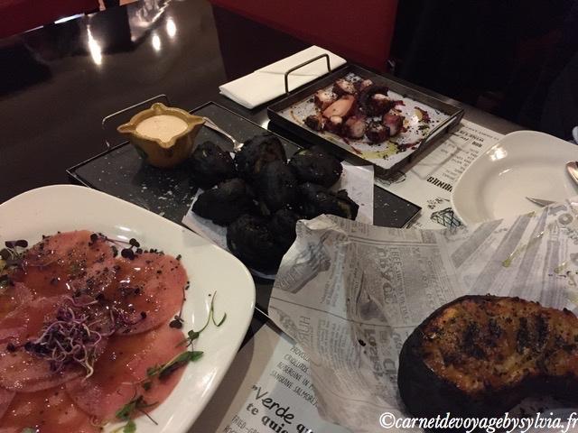 tartare de thon et poulpe grillé pomme de terre et tomate grillée