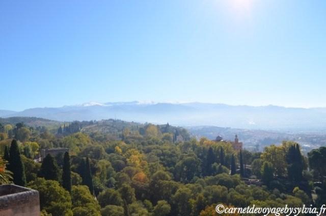 Vue depuis l'Alhambra sur la sierra nevada