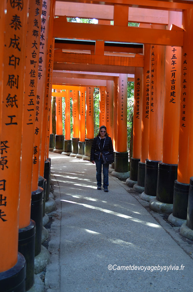 sylvia-Torii à Fushimi Inari taisha