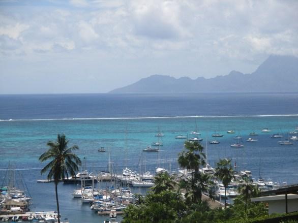 Vue de la marina de Papeete ( Tahiti)