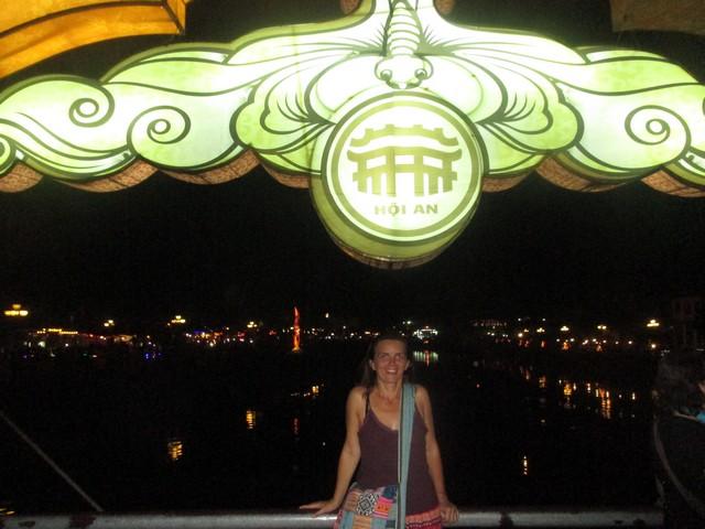 Sur le pont des lanternes Hoi An