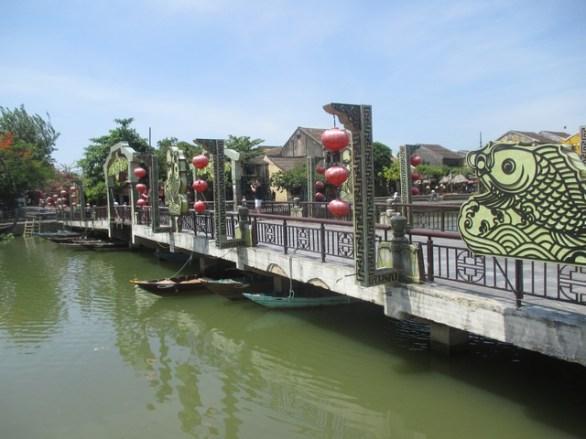 pont des lanternes Hoi An
