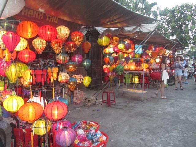magasin de lanternes Hoi An