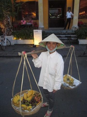 vendeuse de fruits Hoi An