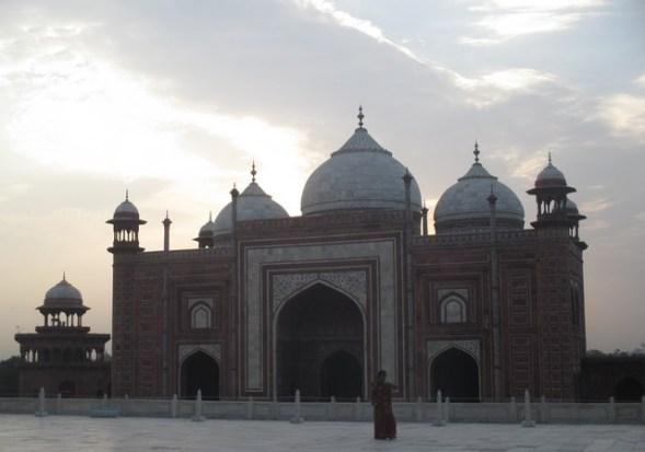 édifice à l'Est du Taj Mahal