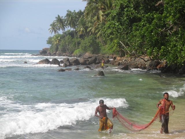 pêcheurs plage de Mirissa
