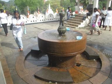fontaine temple de la dent