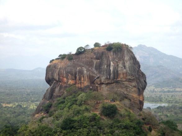 vue sur Rocher du Lion depuis Pidurangala
