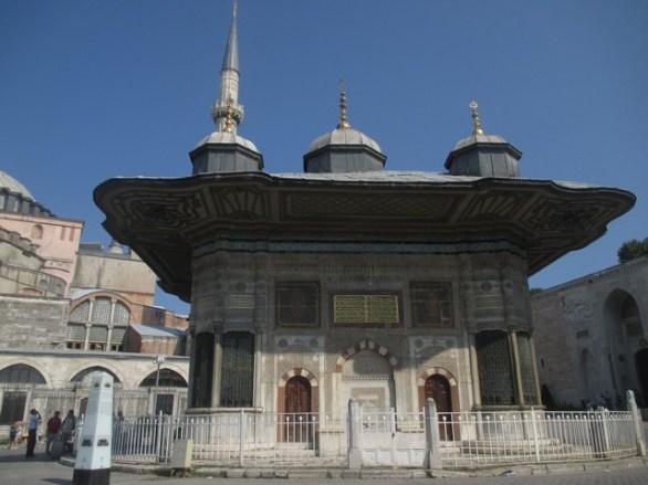 devant palais Topkapi