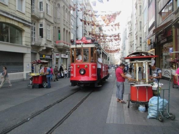 tram rétro Istiklal Caddesi Istanbu Istiklal Caddesi Istanbu