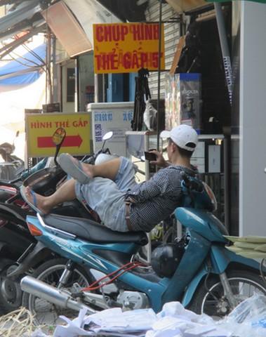 Toujours sur la moto! Saigon