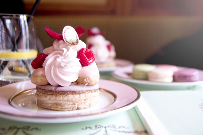gouter-patisserie-laduree-paris