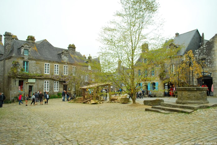 place-de-l-eglise-locronan