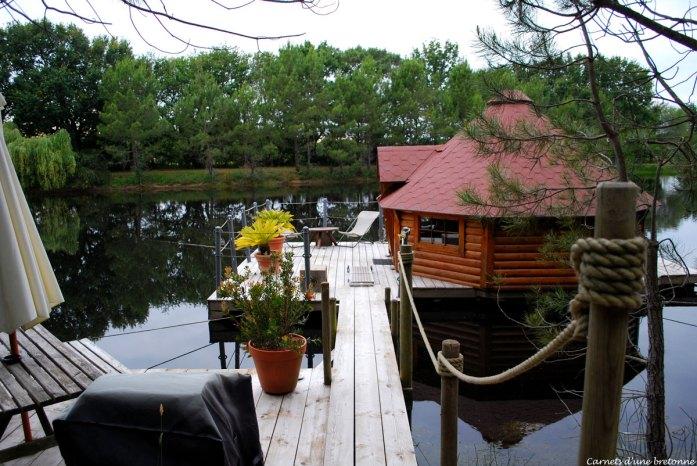 terrasse-chalet-flottant-domaine-de-lann-hallat