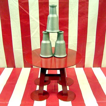 Steel One Ball Table with Aluminum Bottles