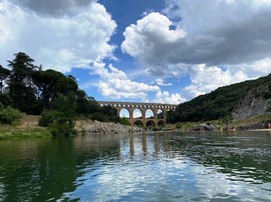 Pont du Gard chien accepté