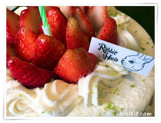 [台中生日蛋糕]兔子洞~法式大湖草莓生乳戚風蛋糕