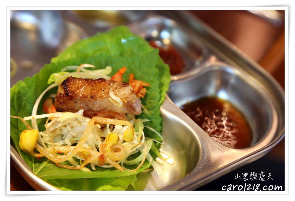 菜豚屋台中精誠店~日本人經營的韓式烤肉店,三層肉好吃,多種生菜無限量供應