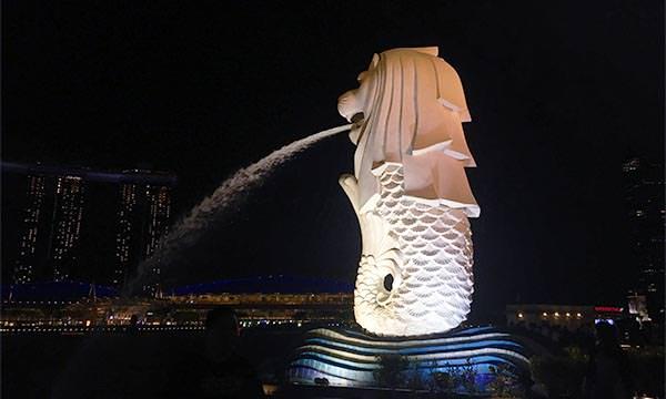 魚尾獅公園內雕像