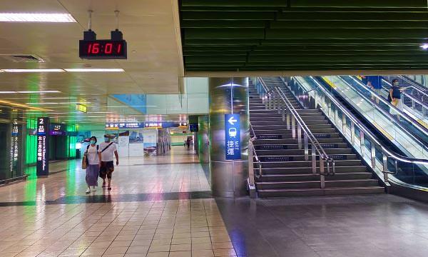 Xpark 高鐵站