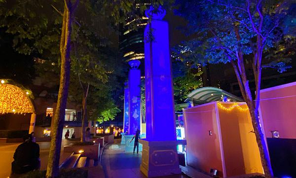 市府廣場上的柱子