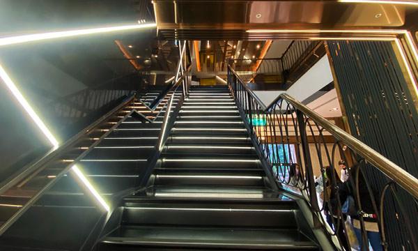 凱悅KTV新莊店樓梯