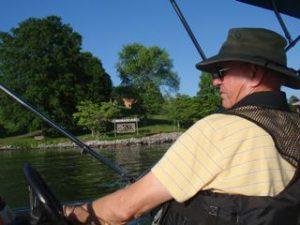 Captain Paul pilots us out of Honahlee