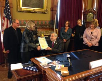 """Governor Branstad lent his support to """"I Grew Up Country"""""""