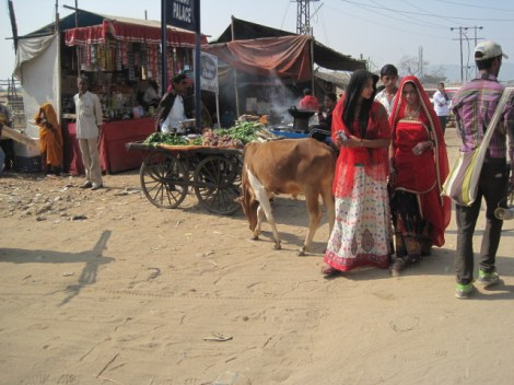 vendor scene 2 girls