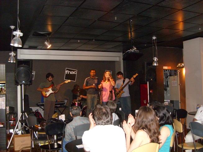 Durante o show com a participação do Jomar