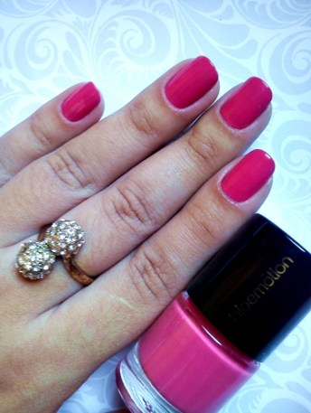 Esmalte-da-semana-pink-pink-bioemotion-cosméticos-carol-doria-2015