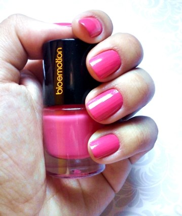 esmalte-da-semana-pink-pink-bioemotion-carol-doria-2015