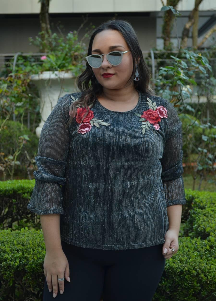 blusa brilho bordado floral look Carol Doria