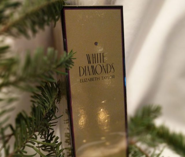 White Diamonds Reminds Me Of Elizabeth Taylor Who Was A Wonderful Friend And Who Created This Scent And Wore It All The Time