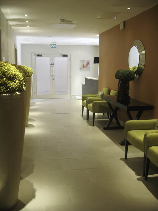 S spa looking to reception desk