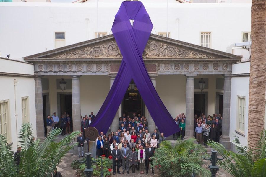 Minuto de silencio por las víctimas de la violencia de género