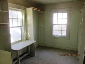357-shell-master-bedroom-closet
