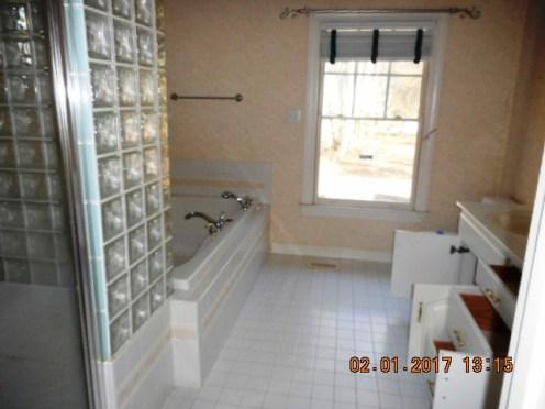 106-saint-andrews-master-bath