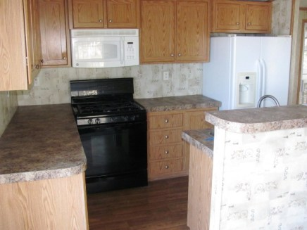 570 Woodstock Kitchen 2