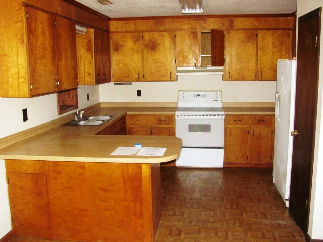 125 E. Elizabeth Kitchen