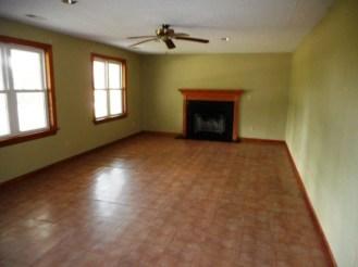 293 Andrews Living Room