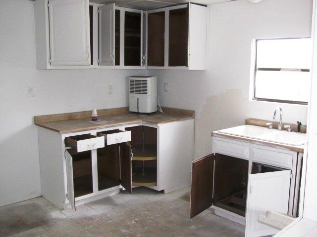 120 Woodbrook Kitchen