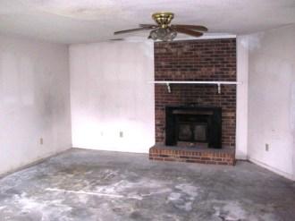 2433 Saddleridge Living Room