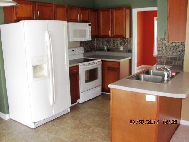 412 N Wilmington Kitchen