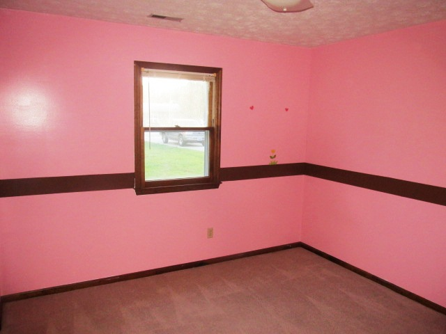 527 W Grantham Bedroom 2